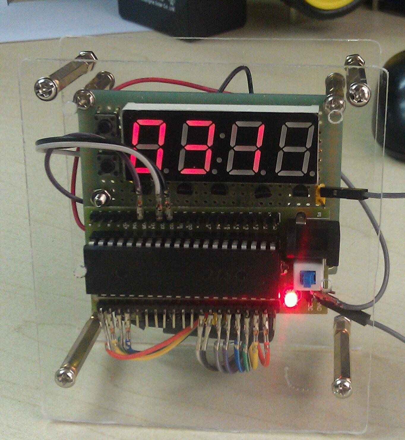 手工制作51单片机电子表,组装完成